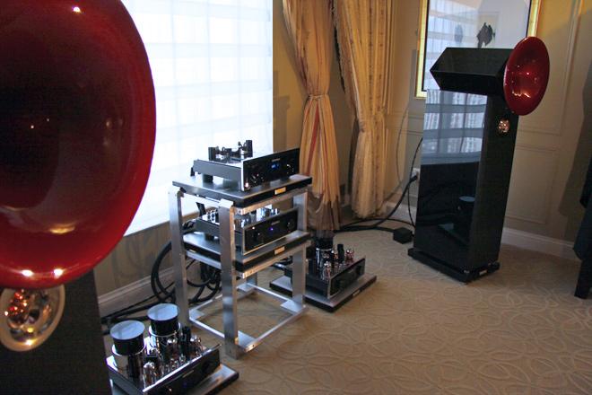 Acapella loudspeaker
