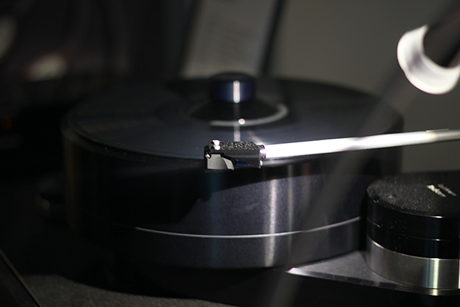 Brinkmann Balance turntable